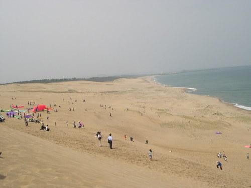 砂丘から日本海が。